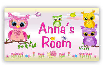 Room Door Sign with Stacked Owls
